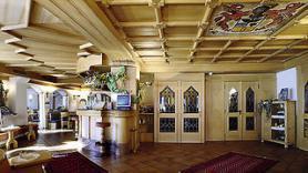 Val di Fiemme a hotel La Roccia s lobby