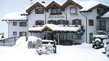 Val di Fiemme a hotel La Roccia v zimě